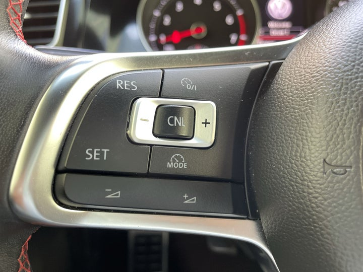 Volkswagen Golf GTI-CRUISE CONTROL