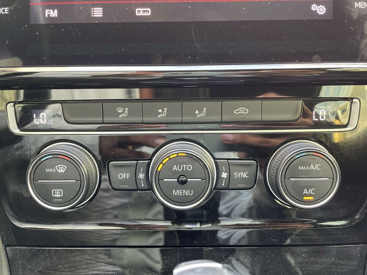 Volkswagen Golf GTI-AUTOMATIC CLIMATE CONTROL