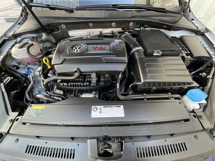 Volkswagen Golf GTI-OPEN BONNET (ENGINE) VIEW