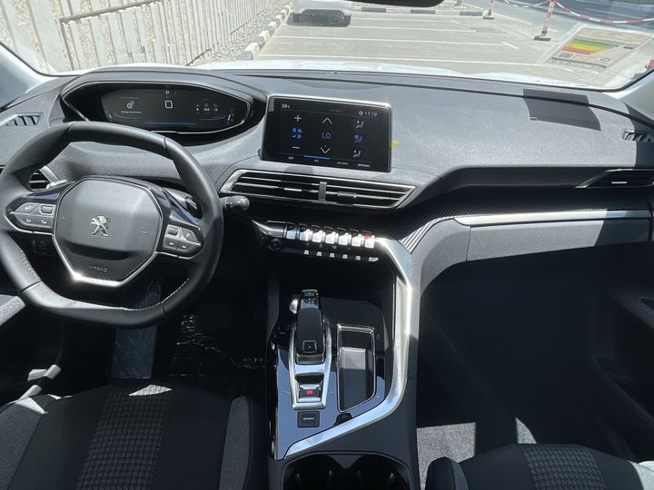 Peugeot 5008-DASHBOARD VIEW