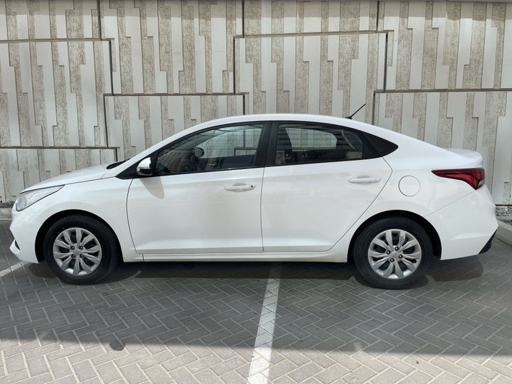 Hyundai Accent-LEFT SIDE VIEW