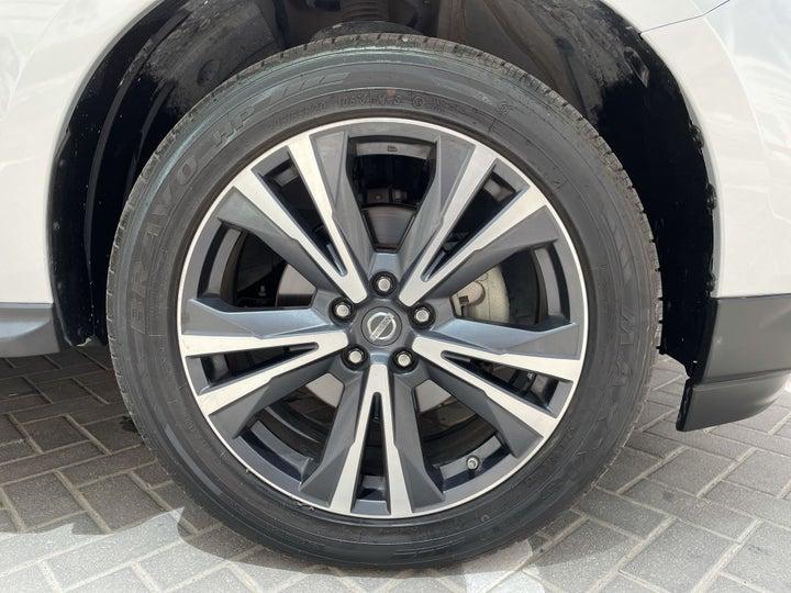 Nissan Pathfinder-RIGHT FRONT WHEEL