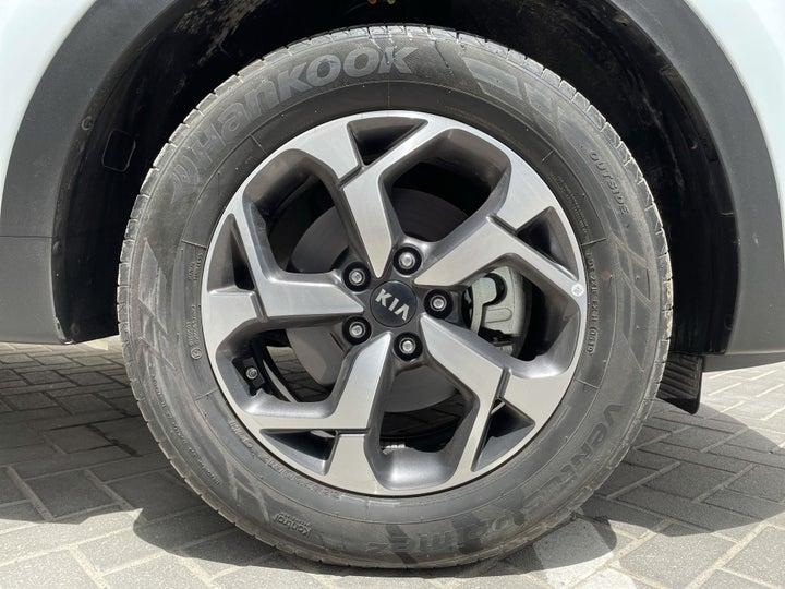 Kia Sportage-RIGHT FRONT WHEEL