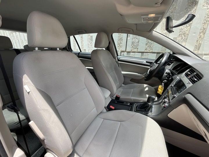 Volkswagen Golf-RIGHT SIDE FRONT DOOR CABIN VIEW