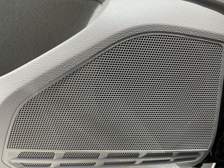 Volkswagen Golf-SPEAKERS