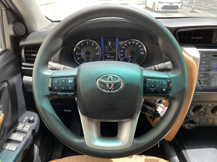 Toyota Fortuner-STEERING WHEEL CLOSE-UP