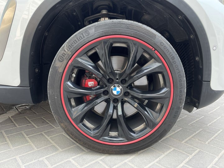 BMW X6-RIGHT FRONT WHEEL