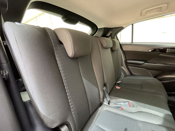 Mitsubishi Eclipse Cross-RIGHT SIDE REAR DOOR CABIN VIEW