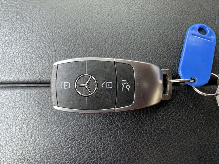 Mercedes Benz C-Class-KEY CLOSE-UP