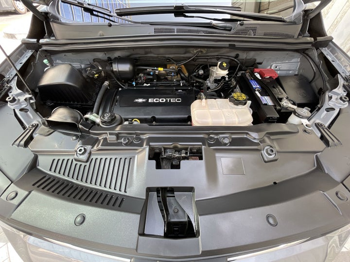 Chevrolet Trax-OPEN BONNET (ENGINE) VIEW