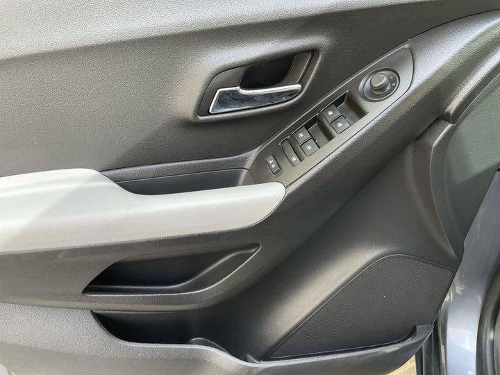 Chevrolet Trax-DRIVER SIDE DOOR PANEL CONTROLS