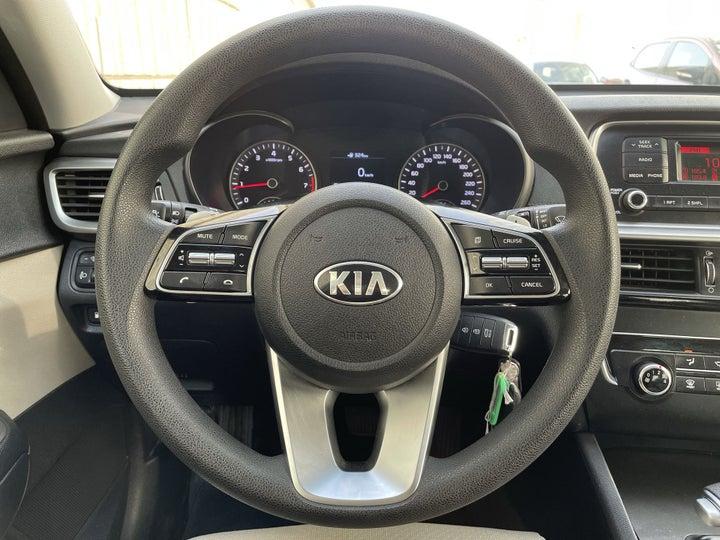 Kia Optima-STEERING WHEEL CLOSE-UP