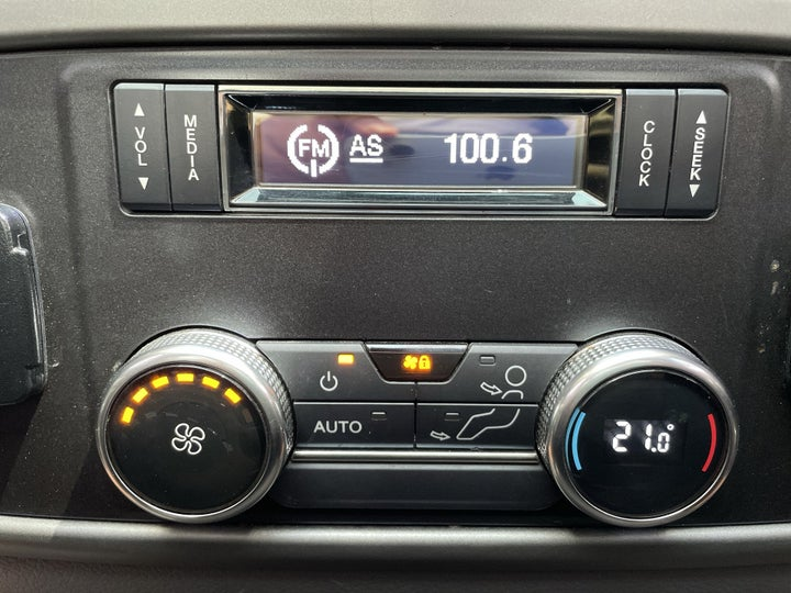 Ford Expedition-REAR AC TEMPERATURE CONTROL