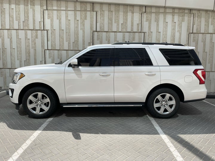 Ford Expedition-LEFT BACK DIAGONAL (45-DEGREE) VIEW