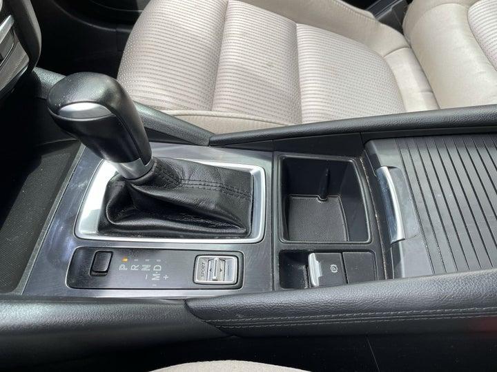 Mazda 6-GEAR LEVER