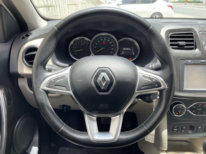 Renault Symbol-STEERING WHEEL CLOSE-UP