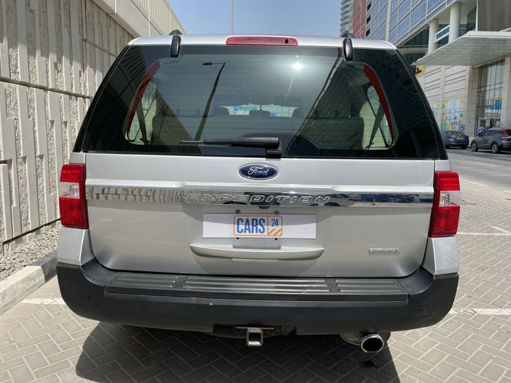 Ford Expedition-BACK / REAR VIEW