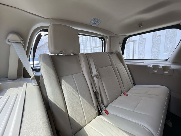 Ford Expedition-THIRD SEAT ROW (ONLY IF APPLICABLE - EG. SUVS)