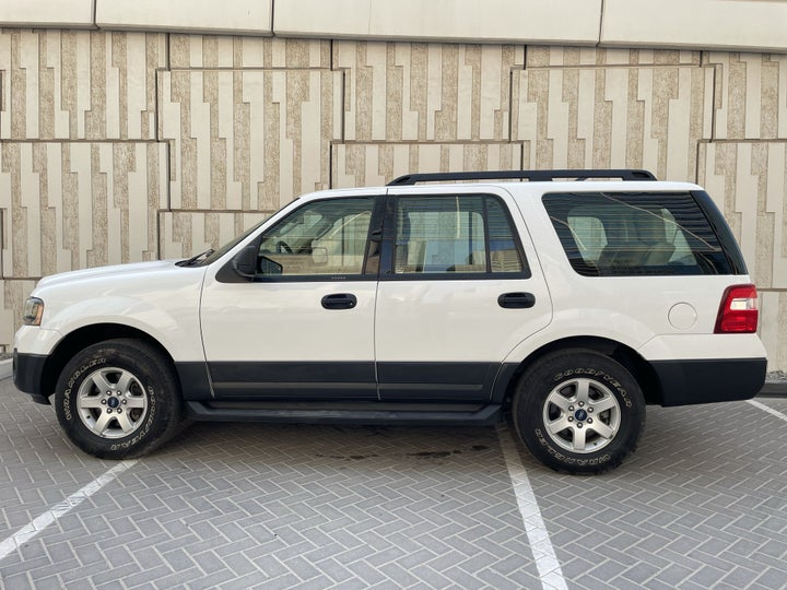 Ford Expedition-LEFT SIDE VIEW