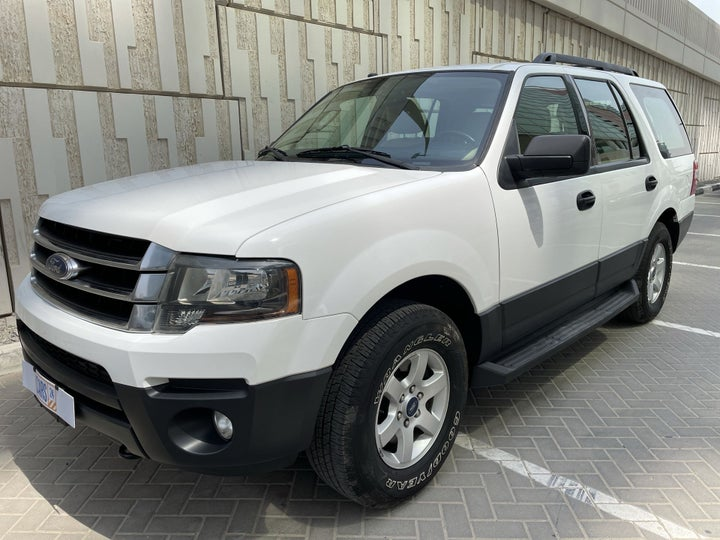 Ford Expedition-LEFT FRONT DIAGONAL (45-DEGREE) VIEW