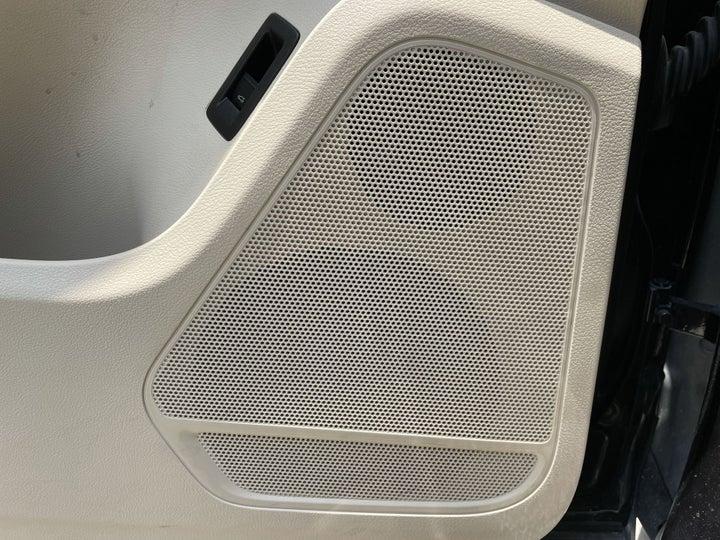 Volkswagen Touareg-SPEAKERS