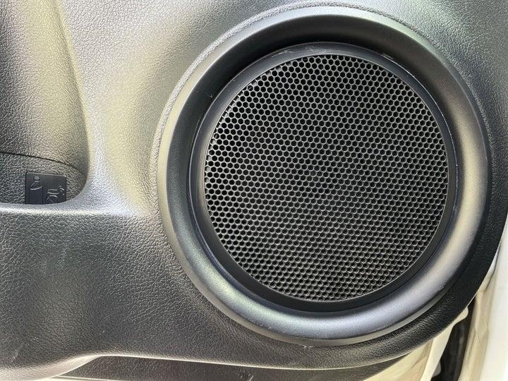 Toyota Fortuner-SPEAKERS