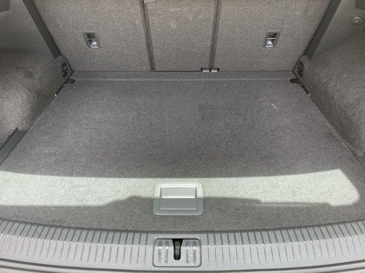 Volkswagen Tiguan-BOOT INSIDE VIEW