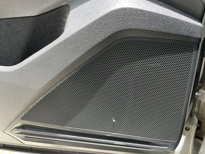 Volkswagen Tiguan-SPEAKERS