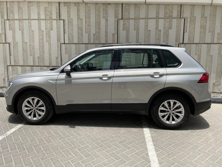 Volkswagen Tiguan-LEFT SIDE VIEW