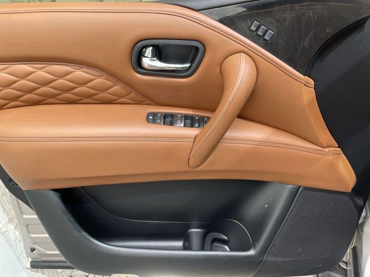 Infiniti QX80-DRIVER SIDE DOOR PANEL CONTROLS