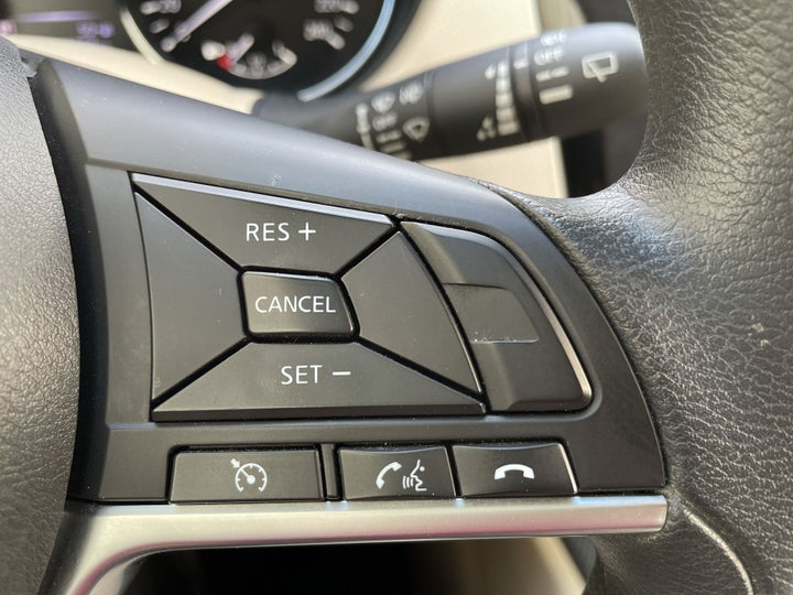 Nissan X-Trail-CRUISE CONTROL