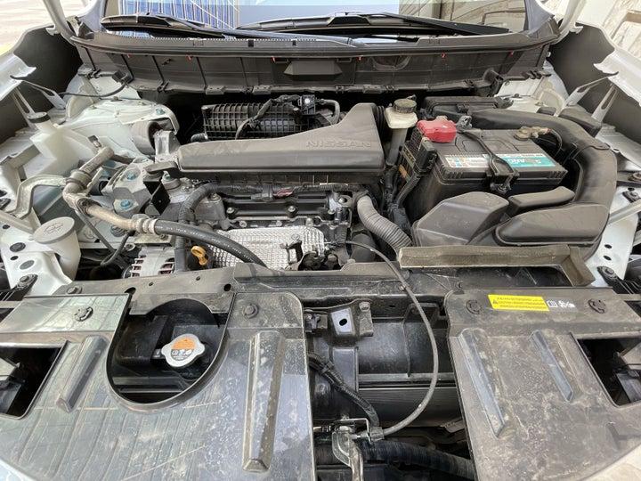 Nissan X-Trail-OPEN BONNET (ENGINE) VIEW