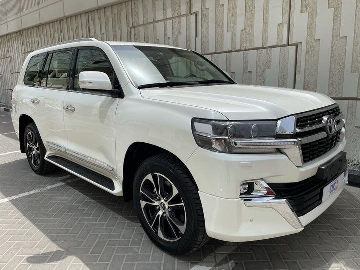 Toyota Land Cruiser-RIGHT FRONT DIAGONAL (45-DEGREE) VIEW