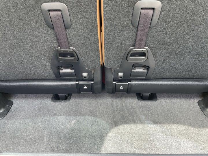 Toyota Land Cruiser-BOOT INSIDE VIEW