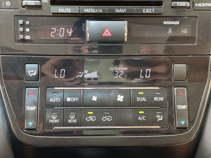 Toyota Land Cruiser-AUTOMATIC CLIMATE CONTROL