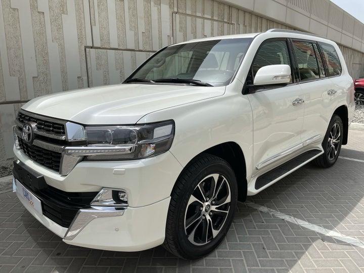 Toyota Land Cruiser-LEFT FRONT DIAGONAL (45-DEGREE) VIEW