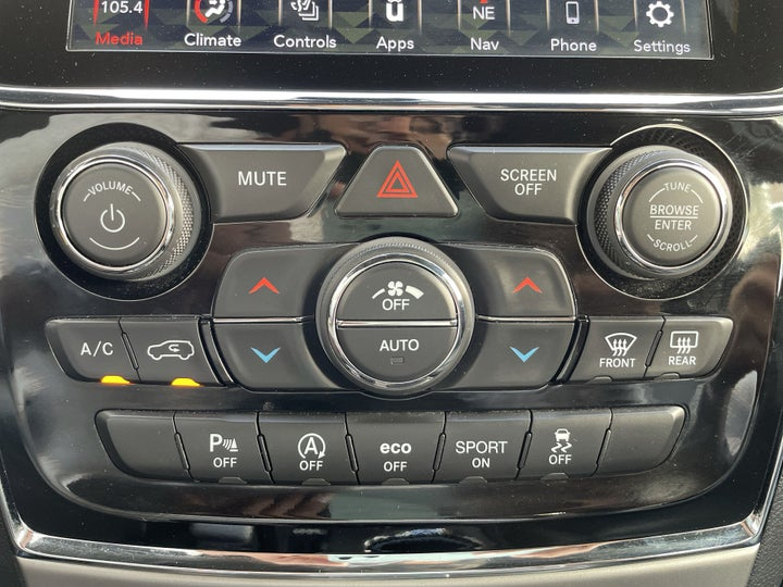 Jeep Grand Cherokee-AUTOMATIC CLIMATE CONTROL