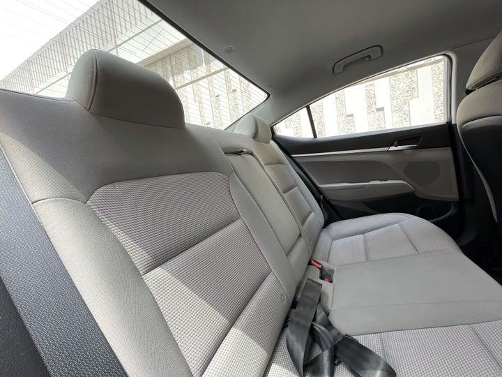 Hyundai Elantra-RIGHT SIDE REAR DOOR CABIN VIEW