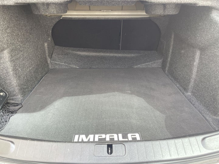 Chevrolet Impala-BOOT INSIDE VIEW