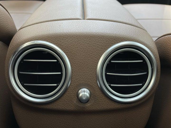 Mercedes Benz E-Class-REAR AC VENT
