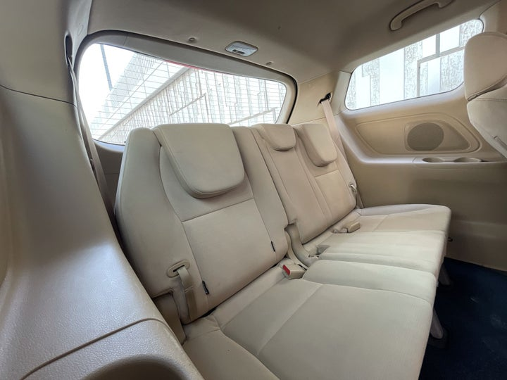 Kia Carnival-THIRD SEAT ROW (ONLY IF APPLICABLE - EG. SUVS)