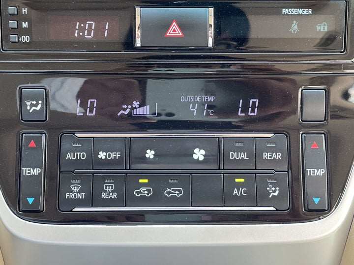 Toyota Landcruiser-AUTOMATIC CLIMATE CONTROL