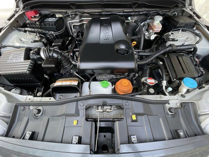 Suzuki Grand Vitara-OPEN BONNET (ENGINE) VIEW