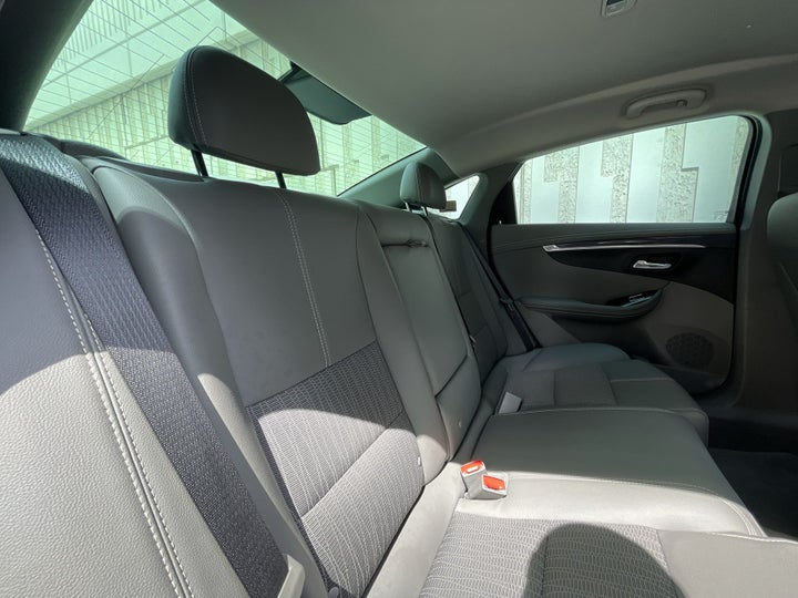 Chevrolet Impala-RIGHT SIDE REAR DOOR CABIN VIEW
