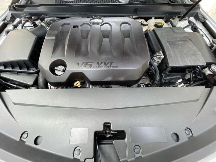 Chevrolet Impala-OPEN BONNET (ENGINE) VIEW