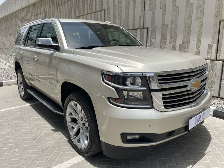 Chevrolet Tahoe-RIGHT FRONT DIAGONAL (45-DEGREE) VIEW