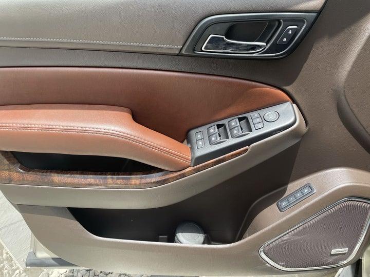 Chevrolet Tahoe-DRIVER SIDE DOOR PANEL CONTROLS