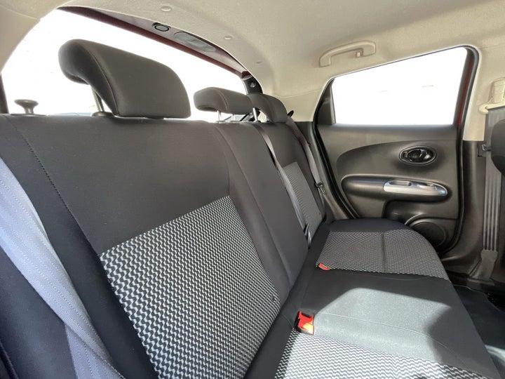 Nissan Juke-RIGHT SIDE REAR DOOR CABIN VIEW