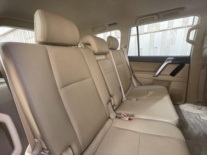 Toyota Prado-RIGHT SIDE REAR DOOR CABIN VIEW