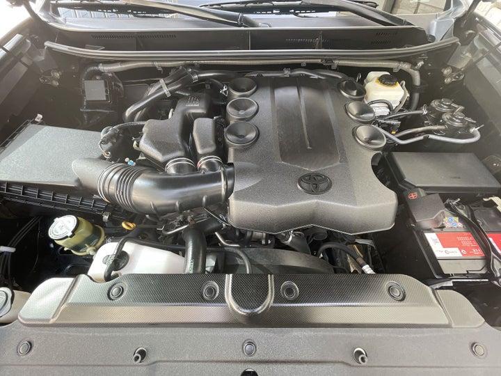 Toyota Prado-OPEN BONNET (ENGINE) VIEW